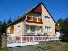 Cazare Balatonfenyves, Casă-Apartament Horváth Zsuzsa