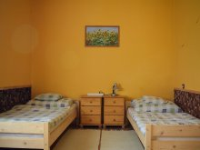 Accommodation Dombori, Family Guesthouse