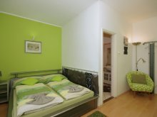 Cazare Csabaszabadi, Apartament Leila