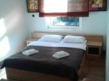 Bed & breakfast Capu Piscului (Godeni), Lorena B&B