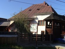 Pachet Sânmărghita, Pensiunea Rednic Lenuța