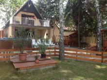 Casă de vacanță Tiszaug, Casa de oaspeți Mirella