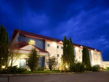 Hotel Tărcaia, Hotel Iris