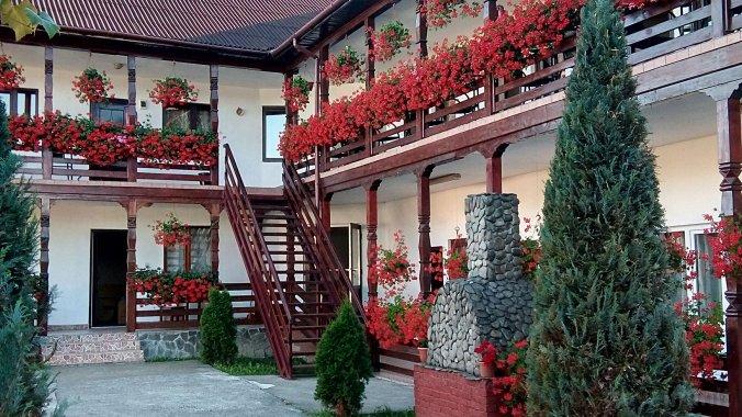 Cris-Mona Guesthouse Săpânța