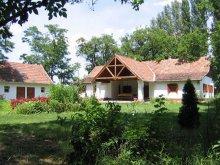 Accommodation Pusztaszer, Jegenyés Birtok Guesthouse
