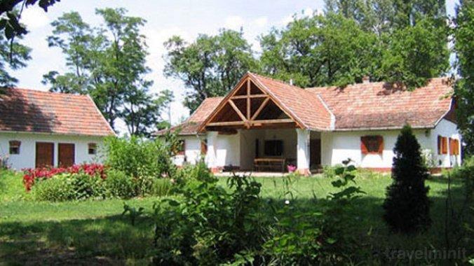 Jegenyés Birtok Guesthouse Zsombó