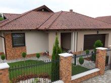 Villa Magyarország, Grande Villa