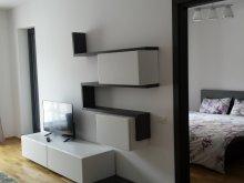 Apartament Căpățânenii Pământeni, Apartamente Commodus
