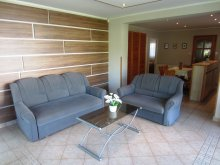 Pentecost Package Mocsa, Gősy Apartments