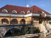 Pensiune Tiszasas, Pensiunea Karaván