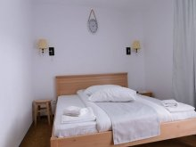 Accommodation Piatra Fântânele, Maximiliyanis Sport B&B