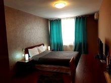 Hotel Satu Nou (Mihăilești), Hotel Mic