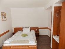 Accommodation Cut, Briana Vila