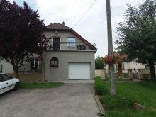 Szállás Vörs, KE-11: Úszómedencés nyaralóház 6 fős apartmanja Balatonkeresztúron