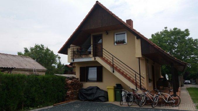 KE-14: Úszómedencés 2-3-4 fős apartman Balatonkeresztúron Balatonkeresztúr