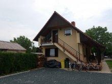 Szállás Vörs, KE-14: Úszómedencés 2-3-4 fős apartman Balatonkeresztúron