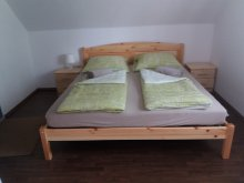 Cazare Balatonmáriafürdő, Apartament KE-15