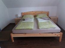 Szállás Marcali, KE-15: Úszómedencés 2-3-4 fős apartman Balatonkeresztúron