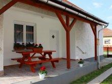 Apartament Tiszanána, Casa de oaspeţi Lilien