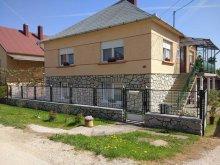 Casă de oaspeți județul Veszprém, Casa de oaspeţi Ibolya