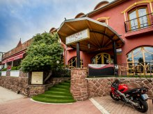 Hotel Nagygyimót, Hotel Laroba