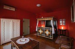Apartament Târgu Secuiesc, Casa de oaspeţi Vörös