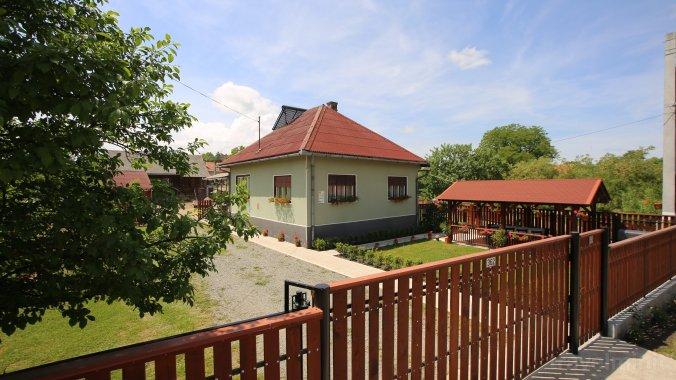 Kalotaparti Guesthouse Sâncraiu