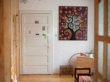 Accommodation Varnița, The Wooden Room - Garden Studio