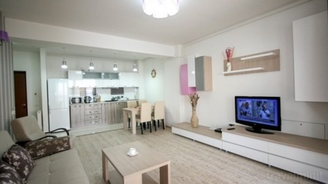 Fancy Lake Apartman Mamaia — Travelminit.ro 890a4baef5