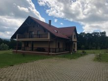 Villa Berkényes (Berchieșu), Isuica Lux Villa