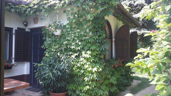 Gyümölcsöskert Guesthouse Nemeshetés