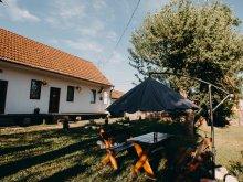 Cabană Transilvania, Casa de oaspeti Leánylak