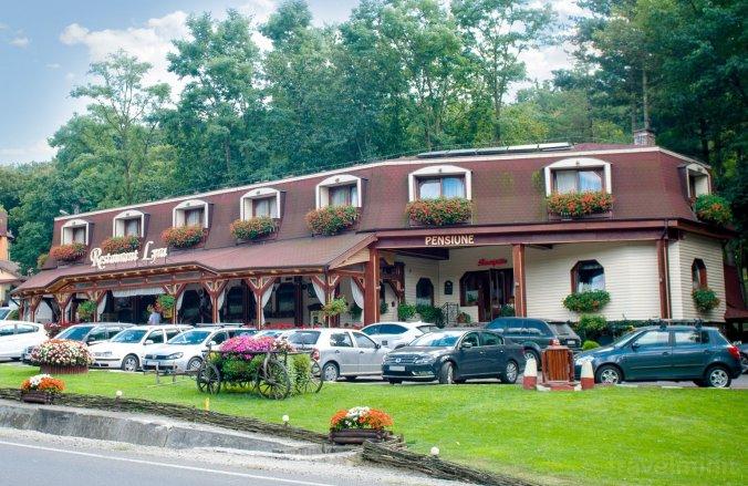 Pensiune Restaurant Lyra Acățari