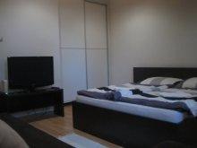 Apartament județul Heves, Apartament Egri Csillag