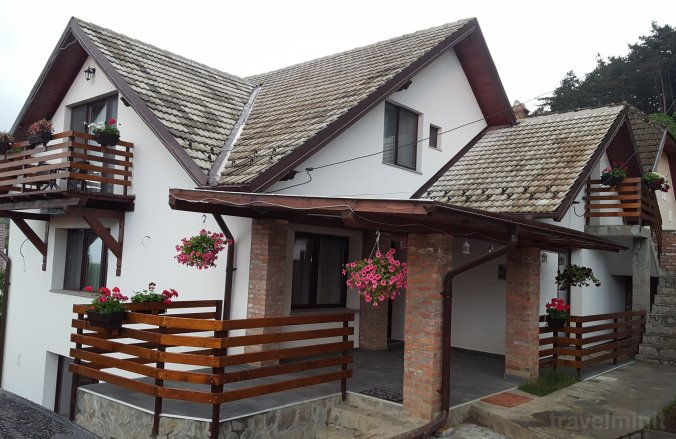 Mitu House Residence Négyfalu