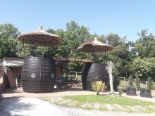 Vendégház Strand Fesztivál Zamárdi, Egzotikus Kert 2+2 fős Óriáshordó Bungaló