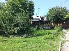 Cazare Șerboeni, Rustic House