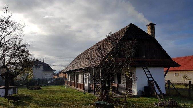 Cabana Szárhegyi Pihenőhely Lăzarea