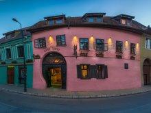 Pensiune Transilvania, Pensiunea Casa Savri