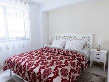 Accommodation Valea Seacă (Nicolae Bălcescu), Carla's Apartment