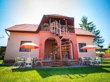 Nyaraló Miklósi, 4 fős nyaralóház 100 m-re a Balatontól (BO-02)