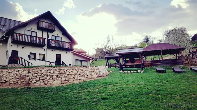 Muntele Craiului Vacation Home Măgura