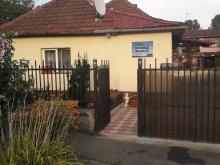Accommodation Varnița, László Guesthouse