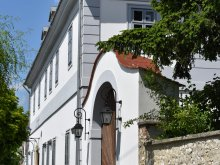 Accommodation Veszprém county, Bagolyvár Inn