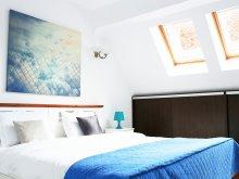 Accommodation Dragoslavele, Charming Fireplace Apartment