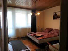 Apartament Ungaria, Apartament Mosoly