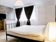Apartament România, Apartament Hegel
