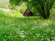 Kemping Cered, Vár-Camping