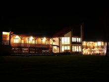 Accommodation Lunca Bradului, Isuica Guesthouse
