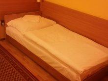 Cazare Nyúl, Little-Danube Motel și Camping